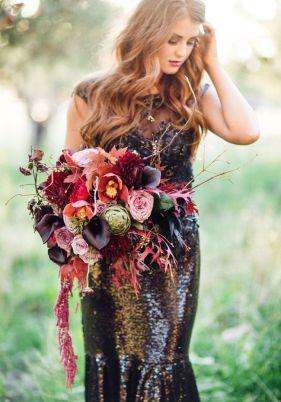 © photo: Megan Robinson / Robe: Gateway Bridal