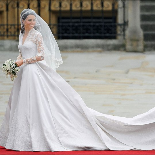 Robe: Sarah Burton pour Alexander McQueen