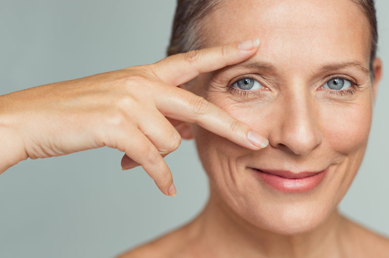 9 Tips to Speed Recovery After Eyelid Surgery (Blepharoplasty)