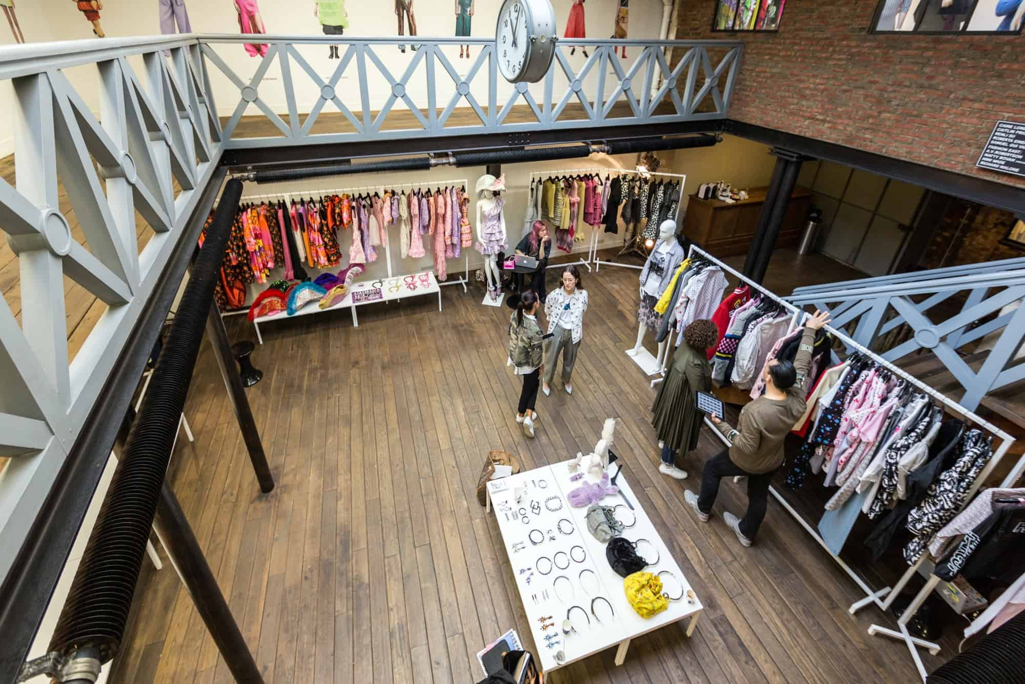 Blue Studio & Bonaveri support London Showrooms Paris SS17