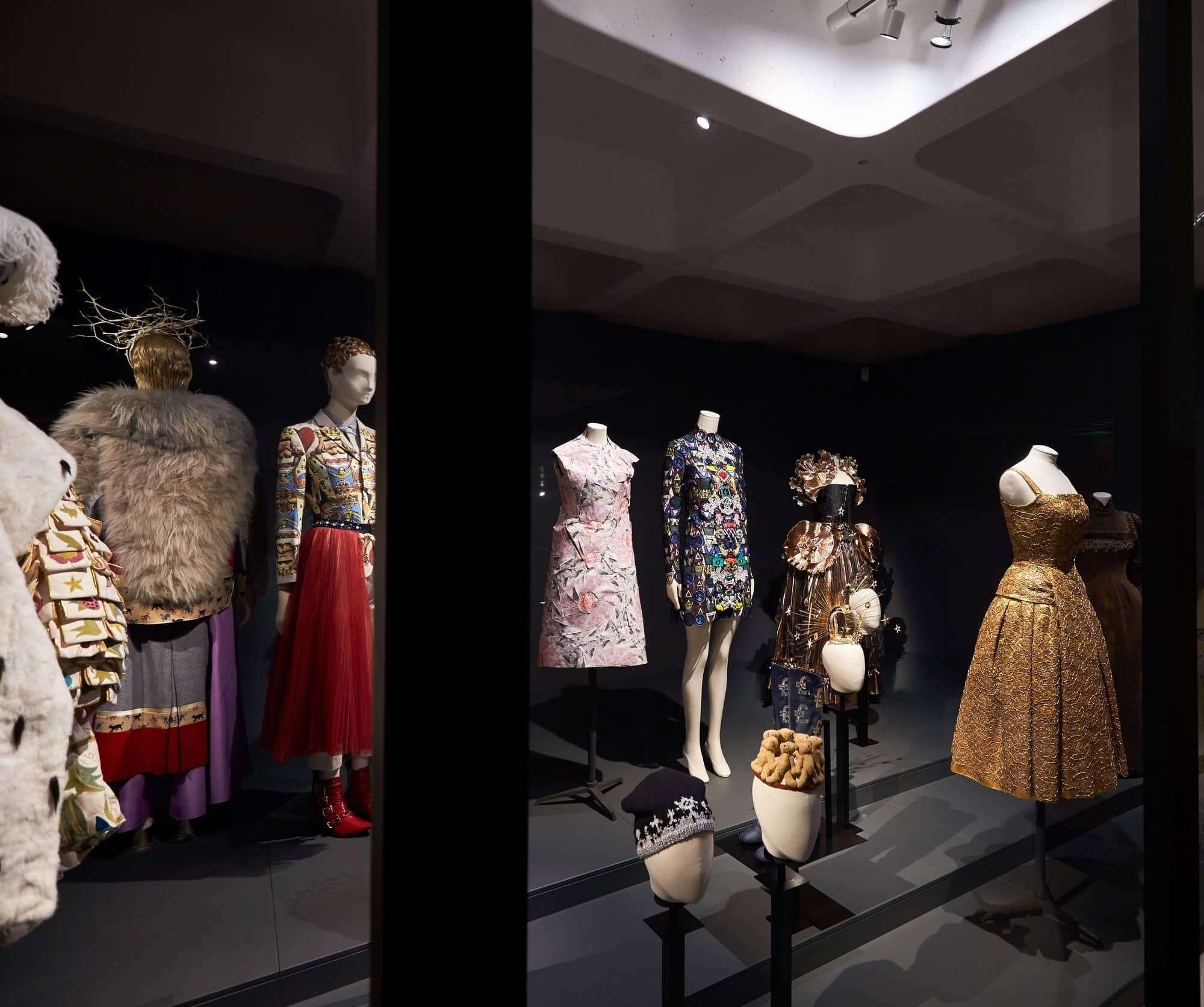 Schläppi 2200 mannequins for 'The Vulgar – Fashion Redefined'
