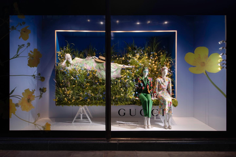 "Schläppi mannequins for Harrods' ""Reunion"" Windows"