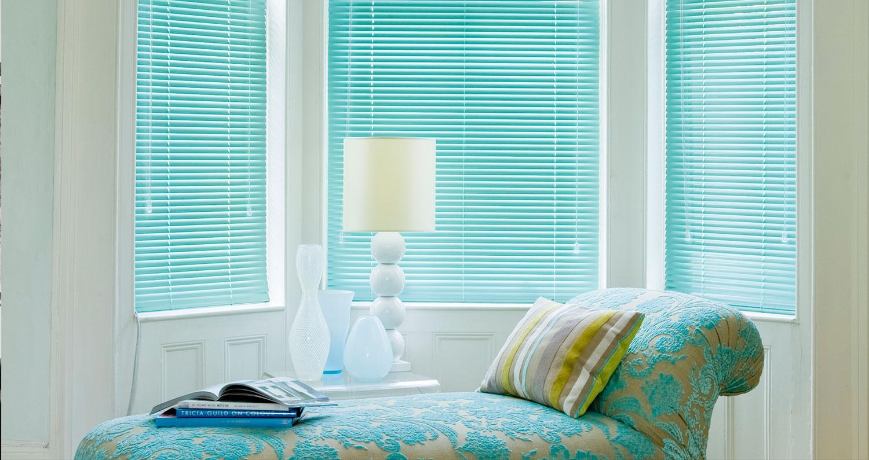 green venetian blinds