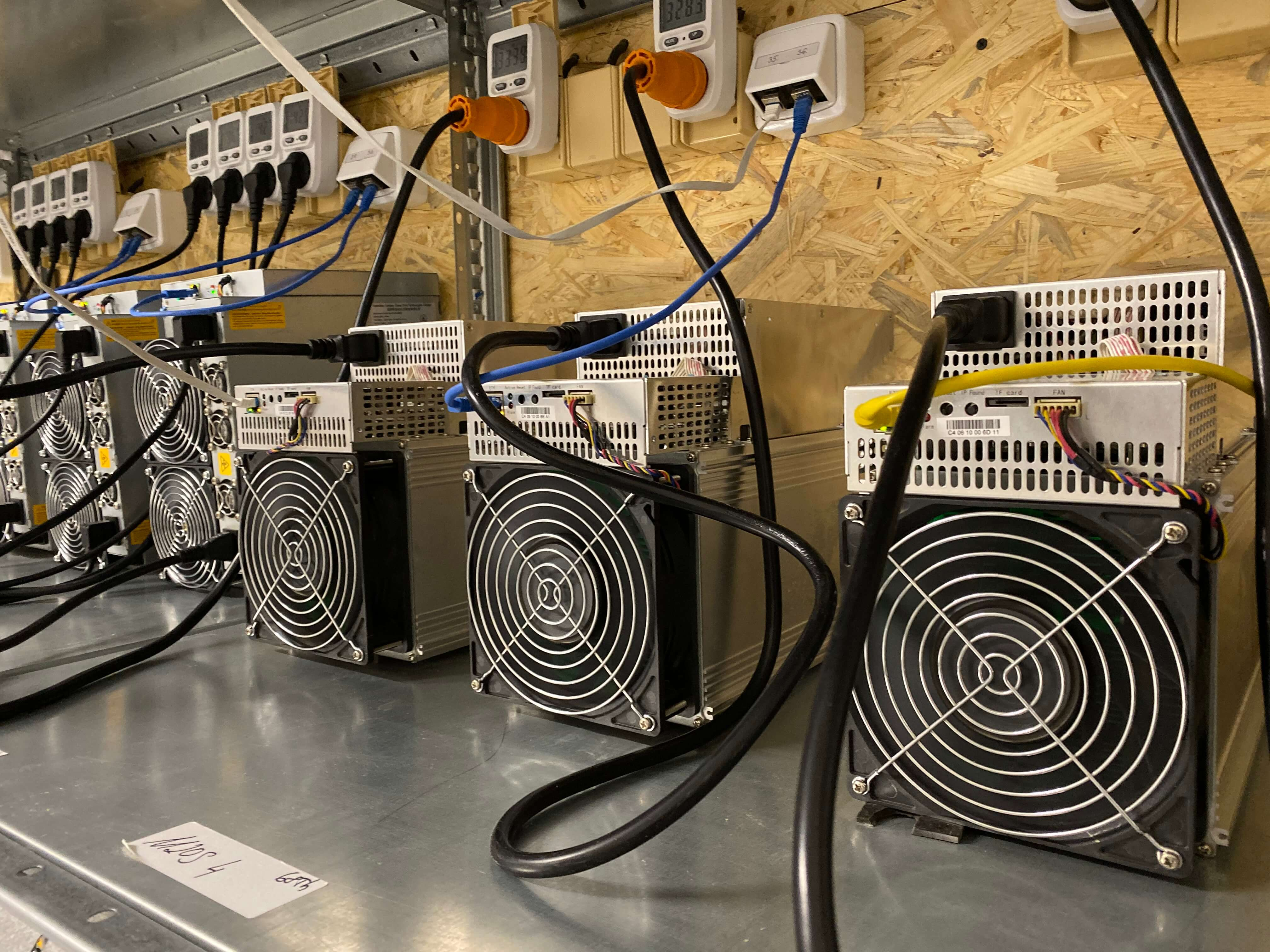 Mining bitcoins tutorial elite dangerous imperial cutter mining bitcoins