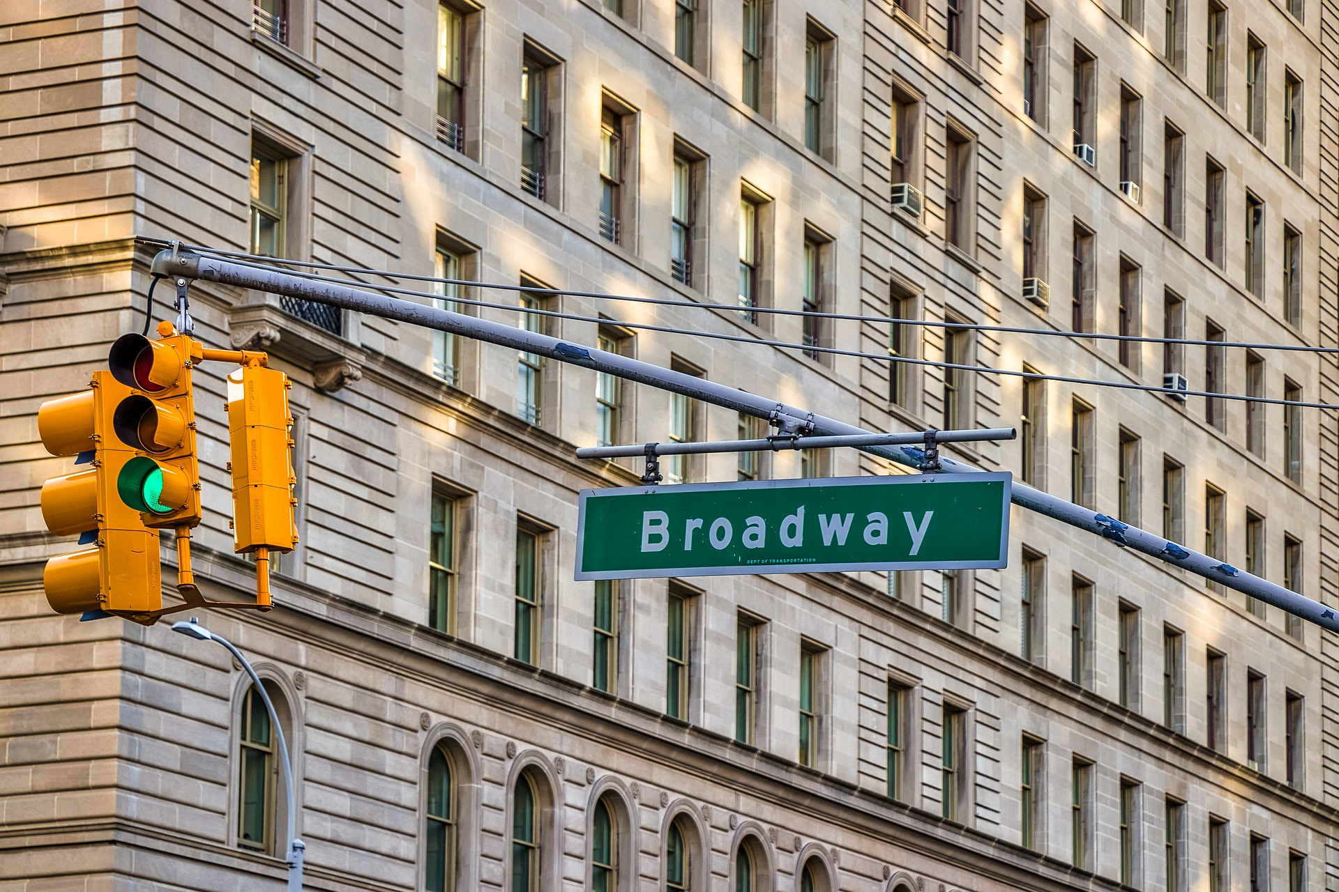 Broadway in Manhattan | Image by nextvoyage from Pixabay