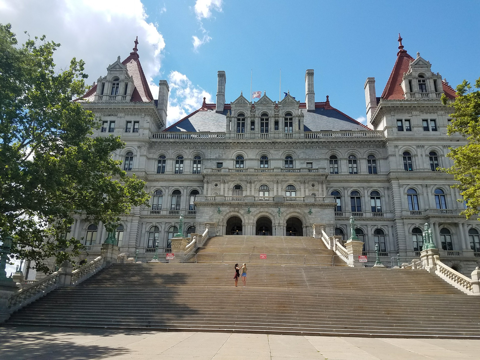 NY state capital in Albany | Image by LoveBuiltLife from Pixabay
