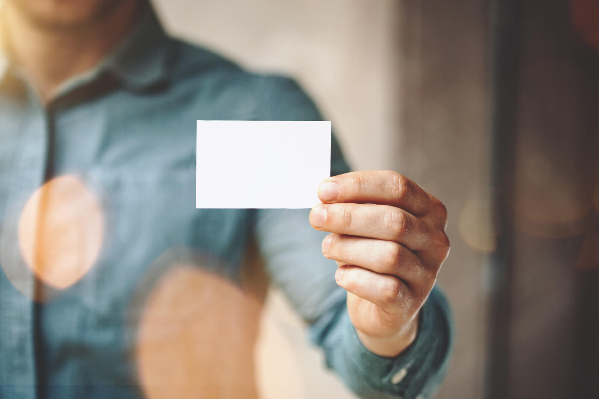 What Makes a Good Business Card? 6 Golden Rules to Follow for a Great Card