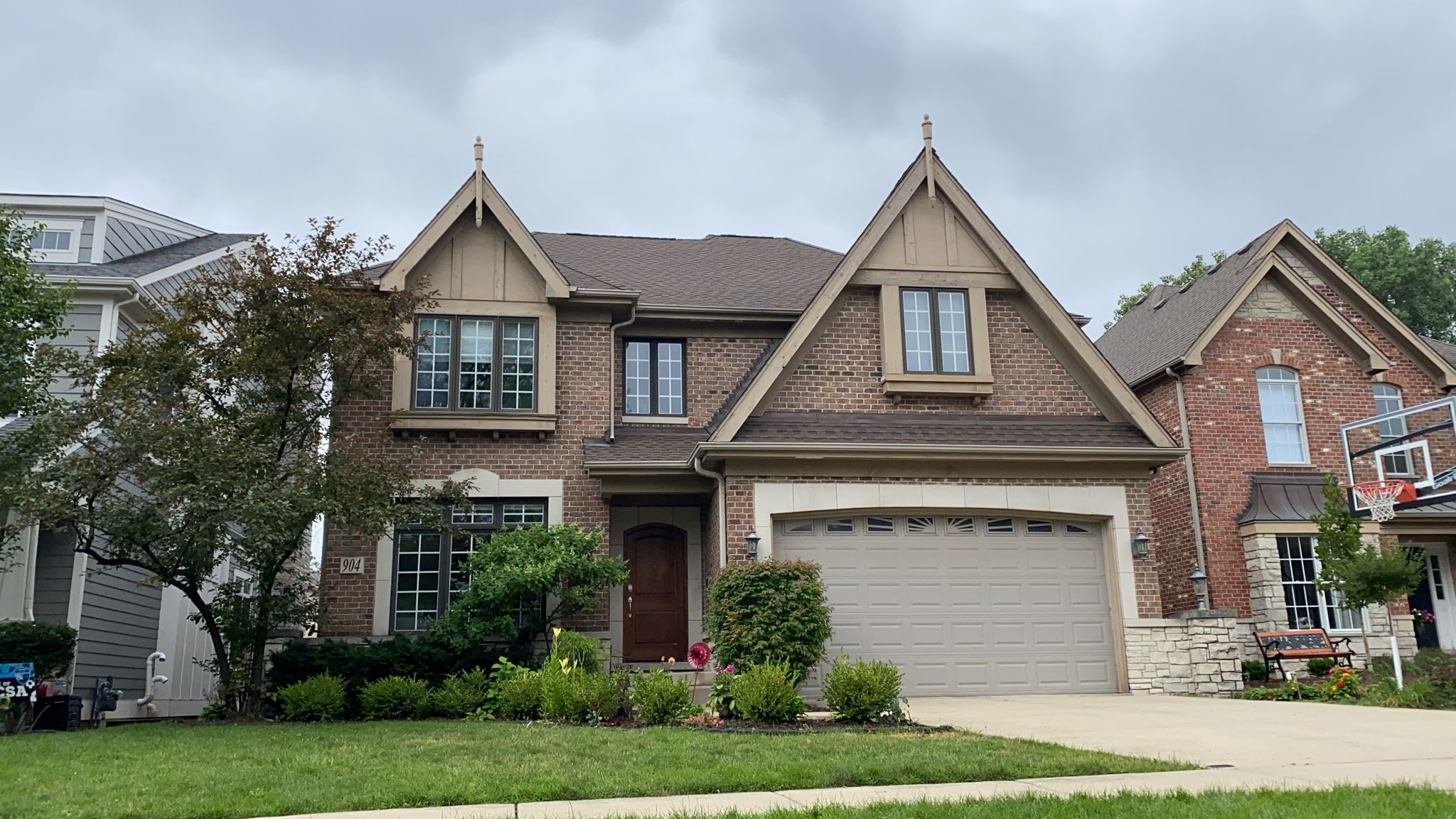 HDZ Barkwood roof by Feze Roofing Inc. in Elmhurst, IL