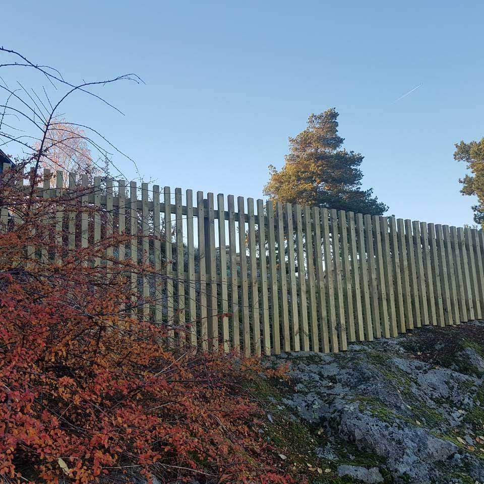 Högt staket