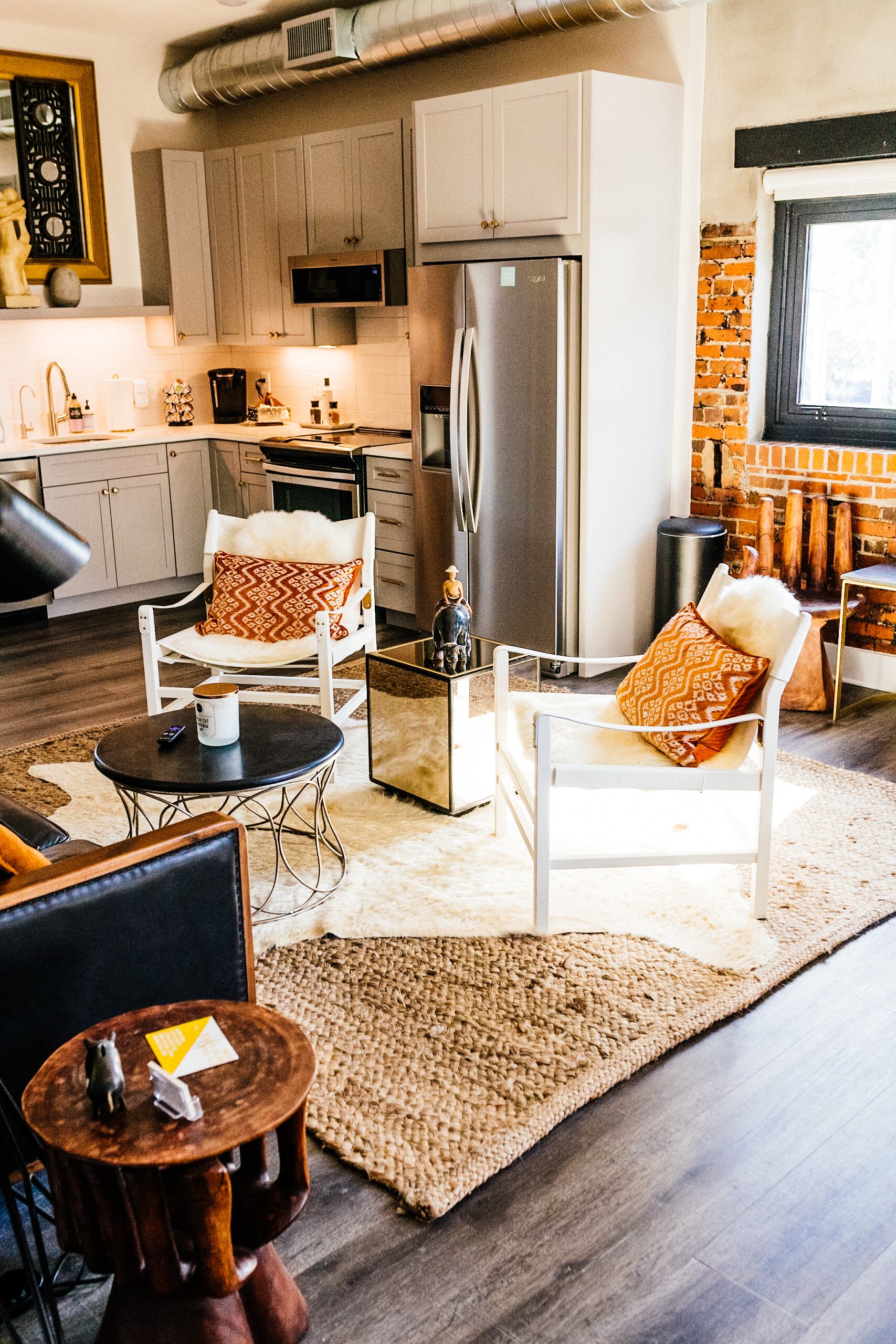 The Hive Wilmington, a boutique hotel and airbnb experience!