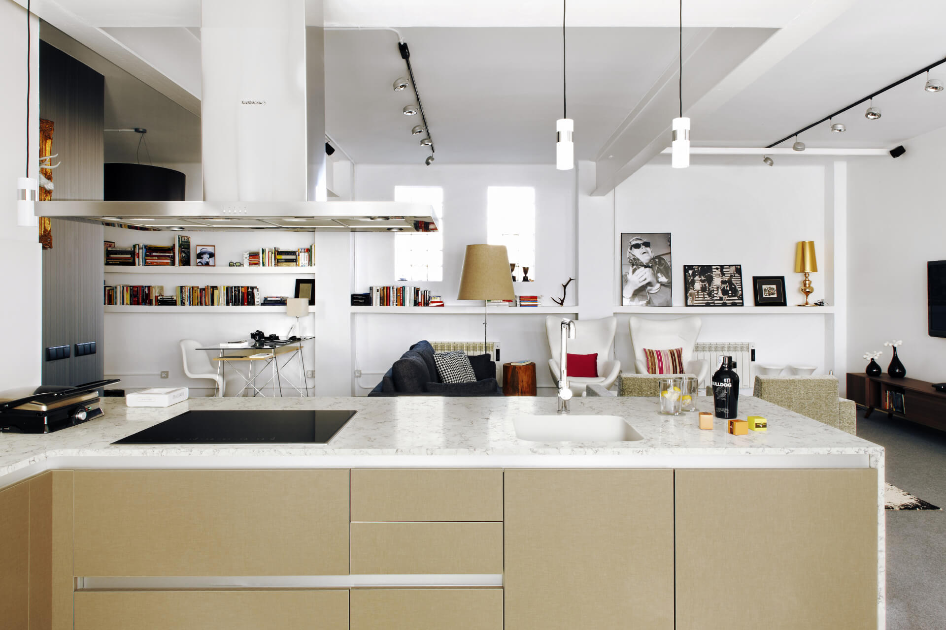 Cosentino Silestone Ivory Kitchen