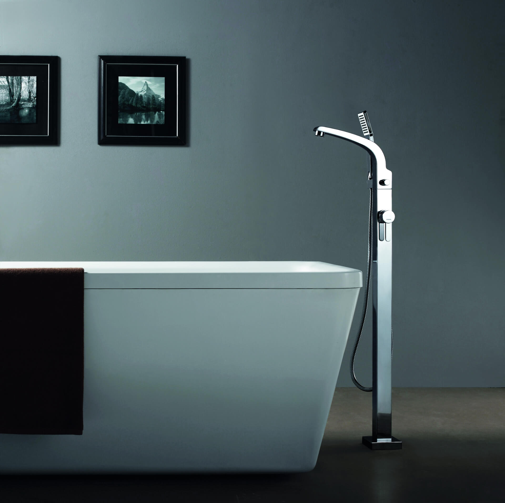 Flova Silver Bath Tap