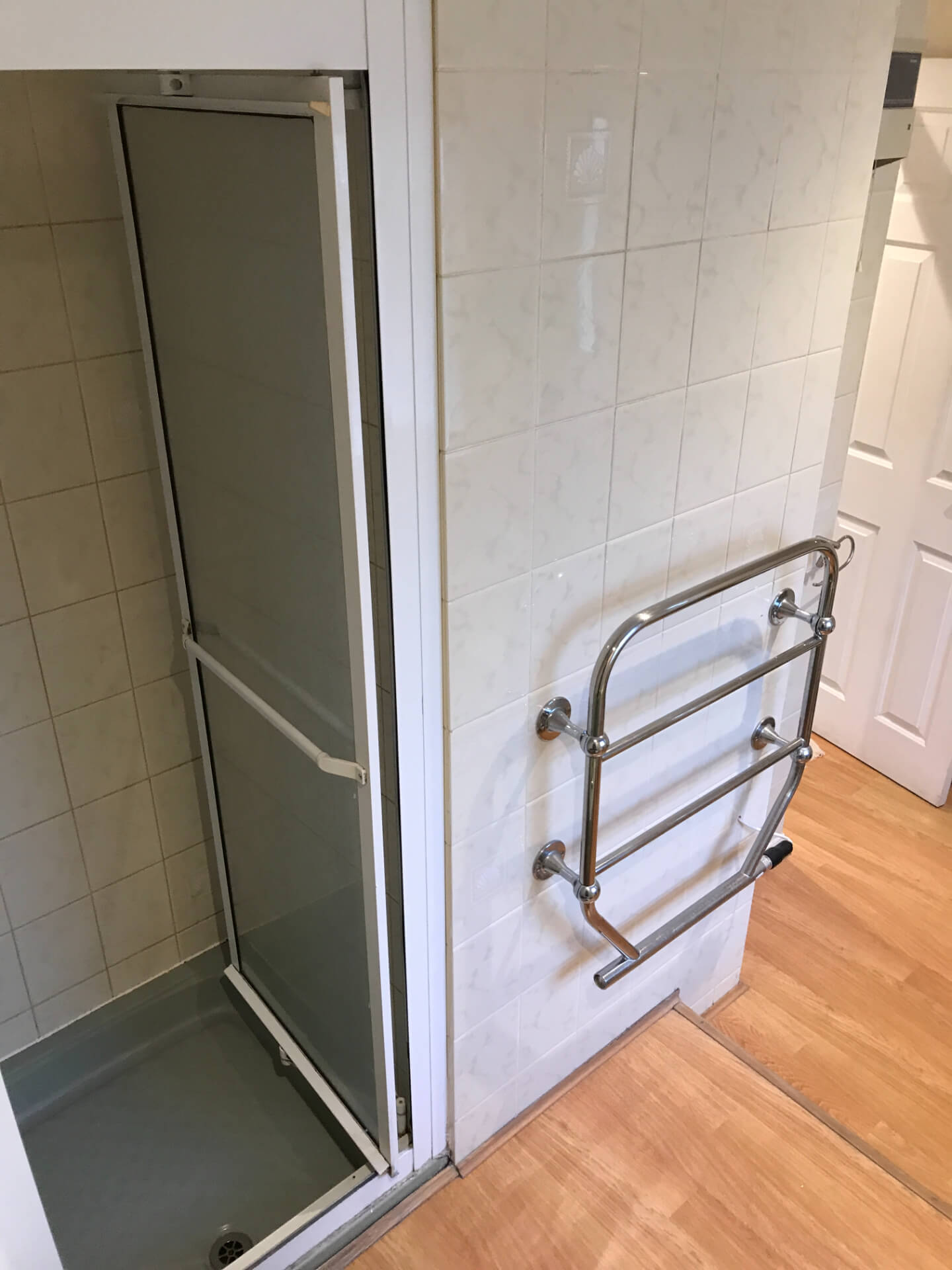 Old White Shower
