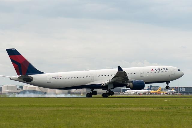 Delta plane taking off
