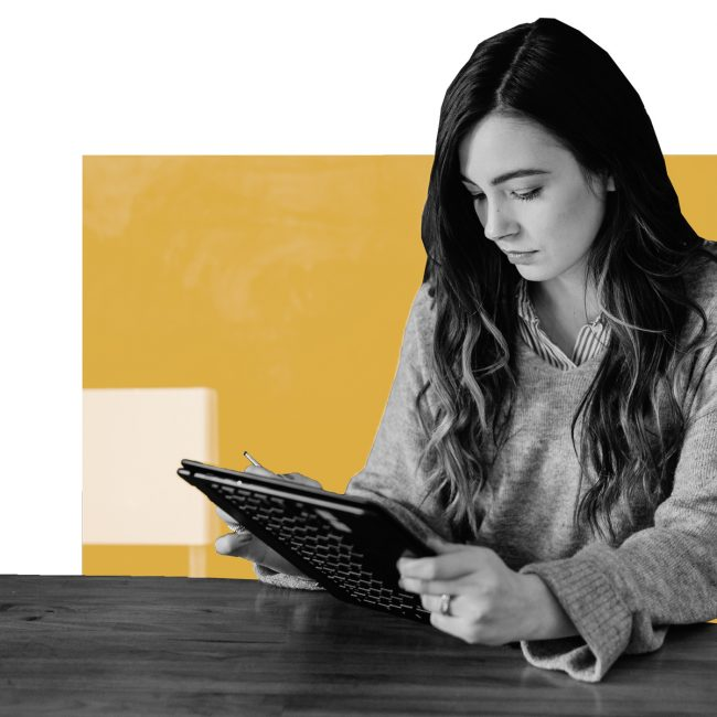 SPX Agency Lab: online behaviour, girl with tablet