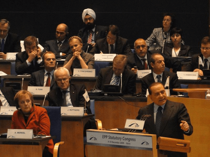 Ravi Singh sits with world European leaders in Marseille, France in 2009