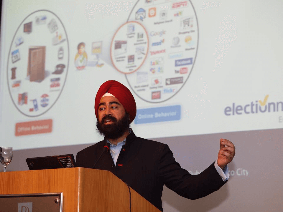 Ravi Singh lectures on tools candidates need to win their elections and receives patent for eyardsigns.com the first political email US Patent for promoting advocacy over the internet