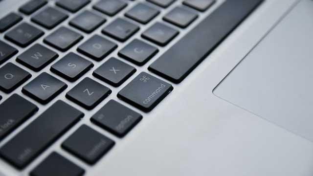 Die Tastatur eines MacBooks.