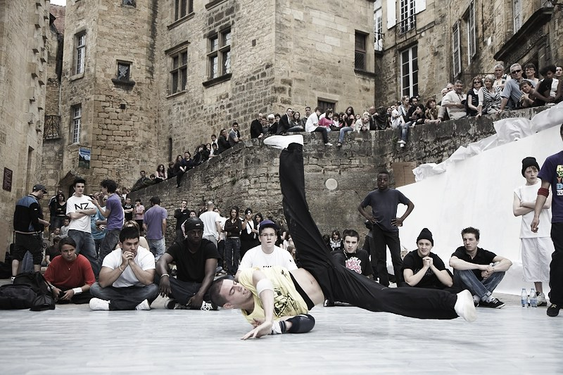 danseur de rue à Sarlat
