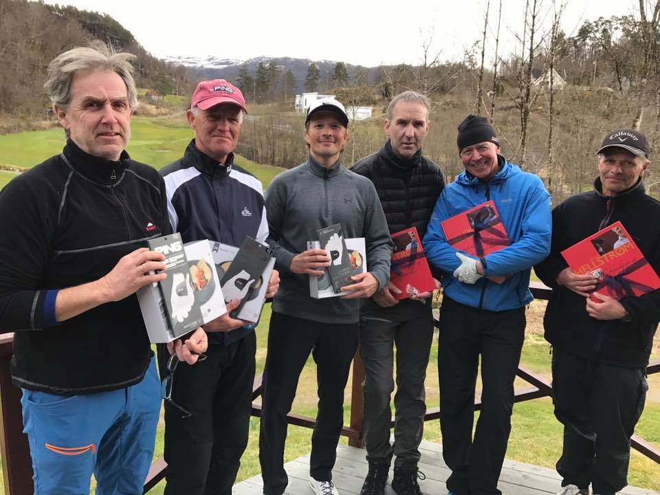 Åpningsturnering Texas Scramble 2107