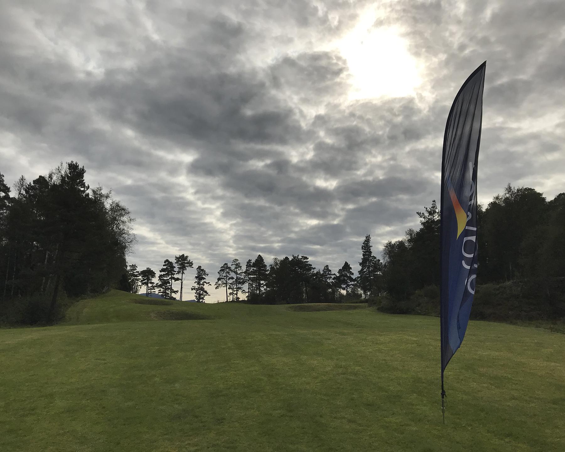 Eramet flagg på golfbanen