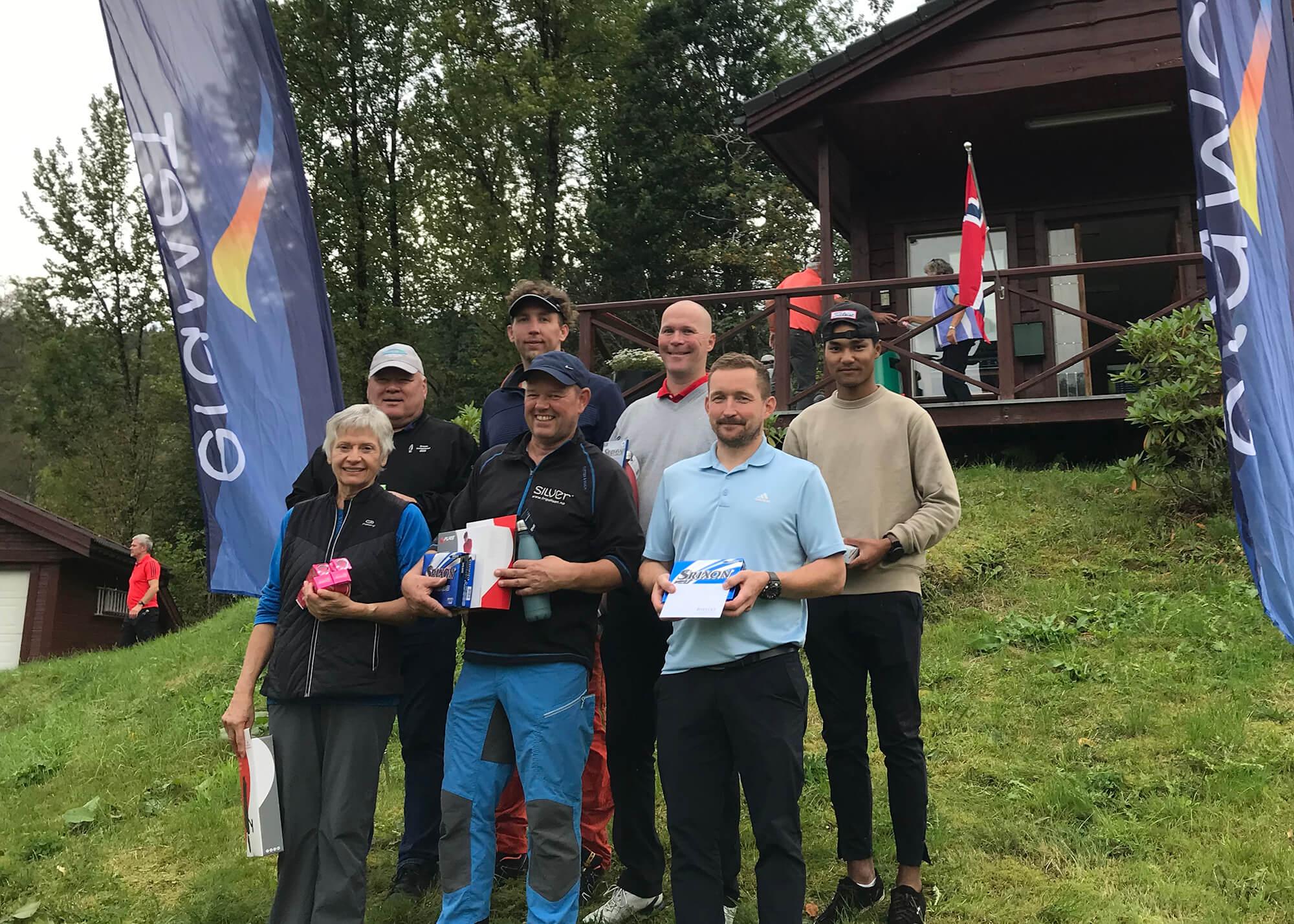 Foran fra venstre: Sigrid Isberg Klyve, Bjørn Håheim og Erik Husebø. Bak: Terje Olsen, Mads Zweedijk, Thomas Sørensen og Watthana Arsapkdee.