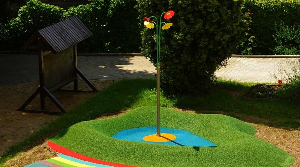 Utomhusdusch för lekpark blomma
