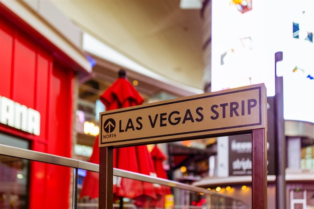las vegas strip sign