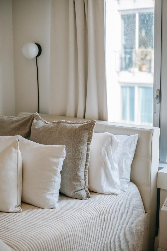 neutral tone bedding