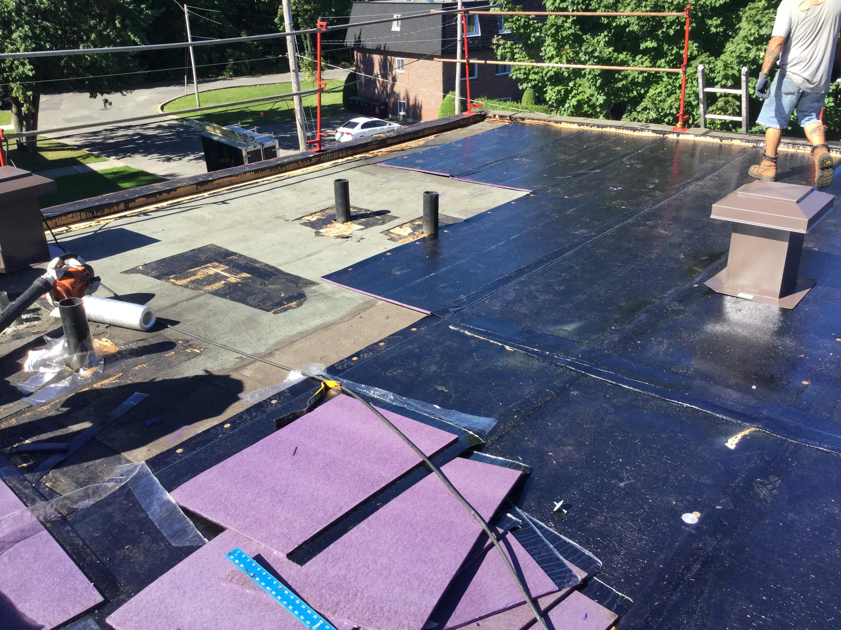 Revêtement de toiture commerciale