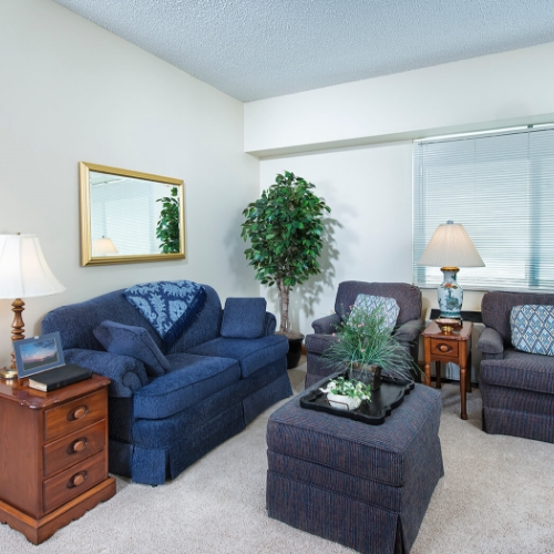 independent living at salina sitting room
