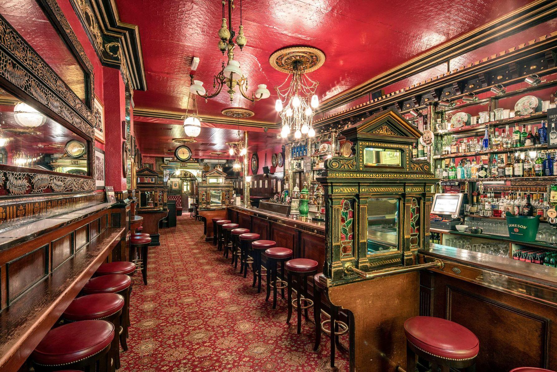 long hall pub dublin