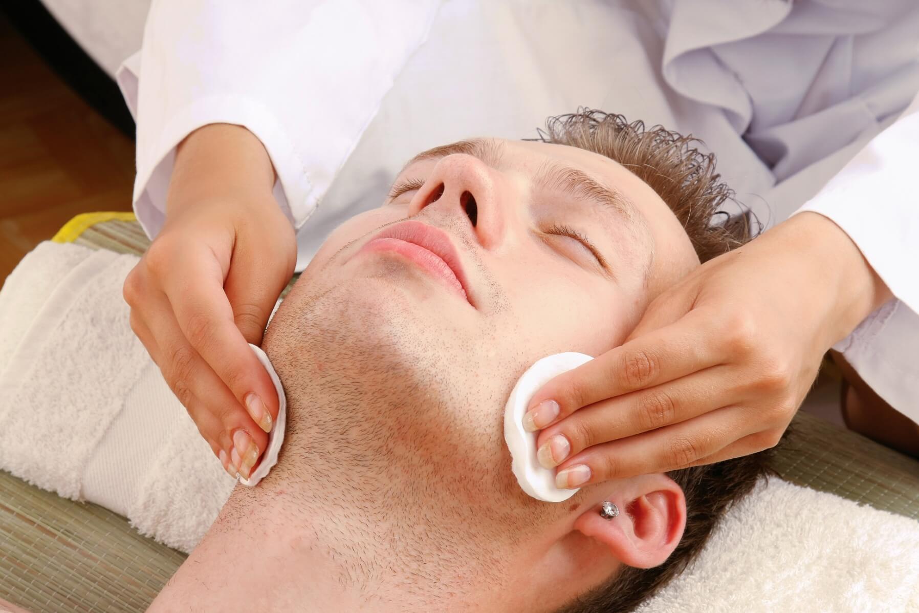 HydraFacial Treatment in UK