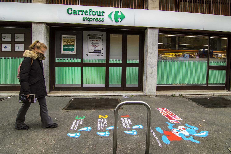 graffiti pubblicitari ferrero