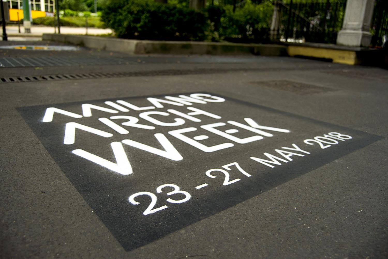 pubblicità marciapiedi comune di milano arch week