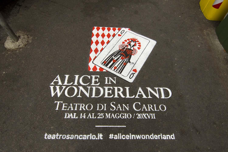 graffiti pubblicità alice in wonderland