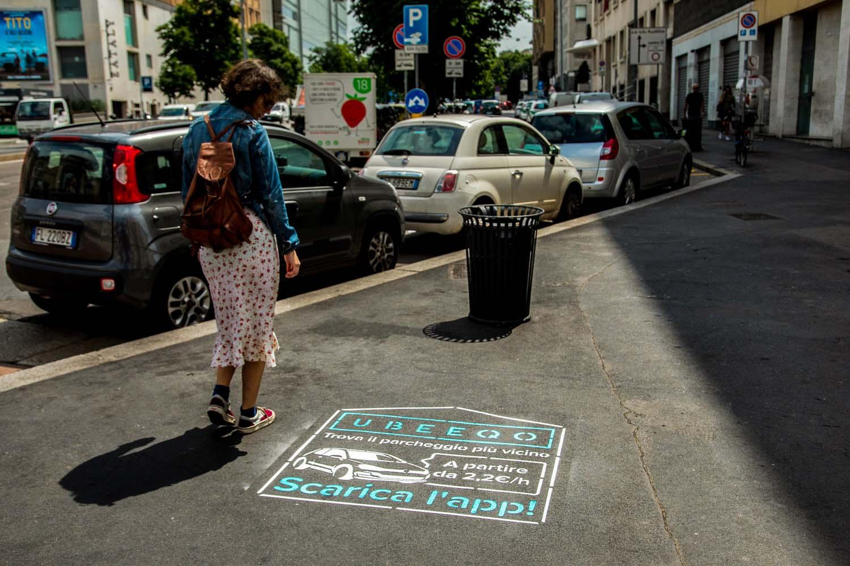 street advertisement ubeeqo