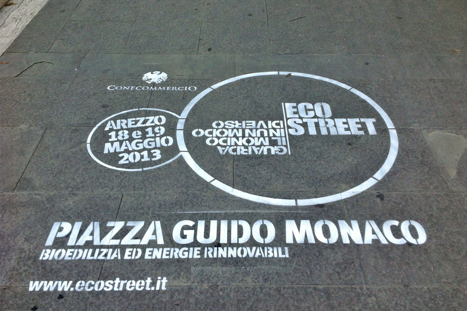 outdoor advertising arezzo flynet