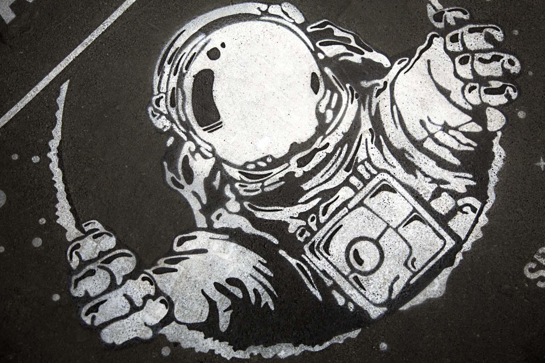 graffiti pubblicitari nasa