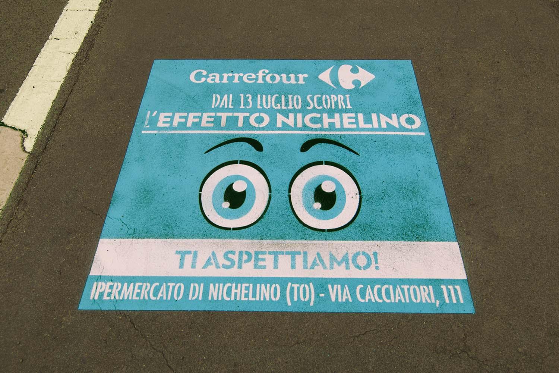 graffiti pubblicitari ipermercati carrefour