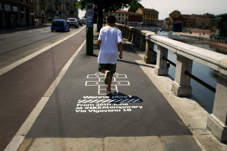 graffiti pubblicitari ikea