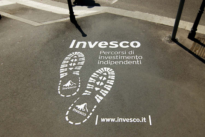 outdoor advertising invesco