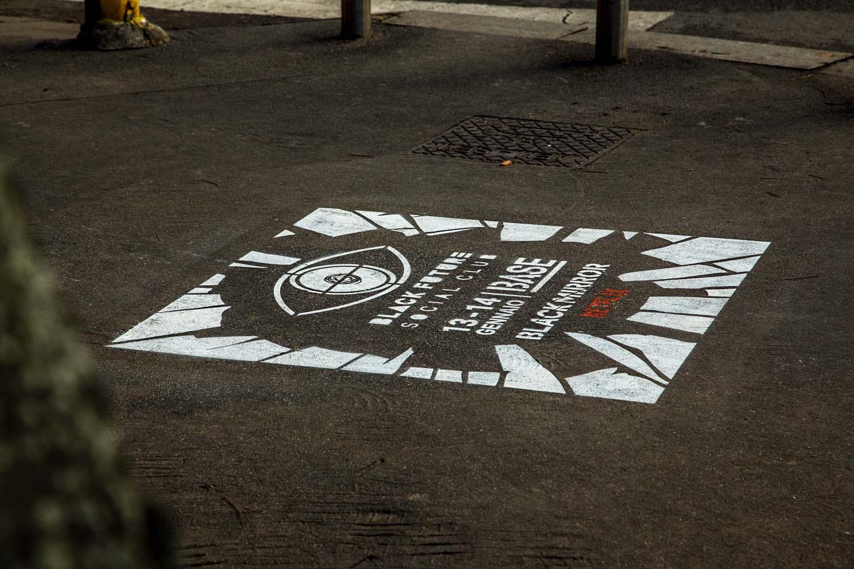 graffiti pubblicità netflix black mirror