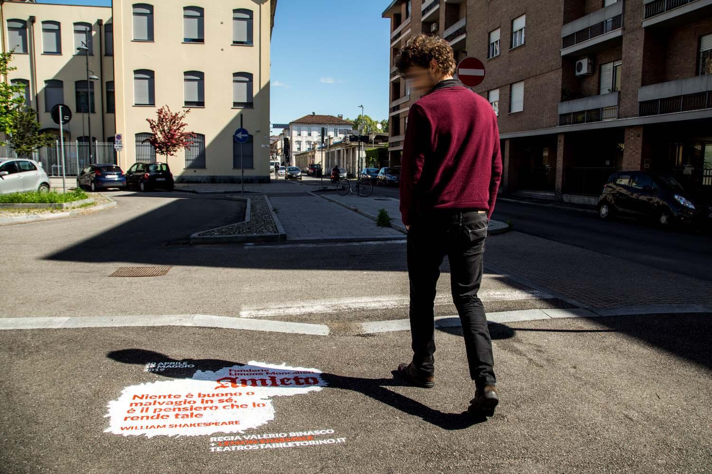 graffiti pubblicitari teatro stabile torino