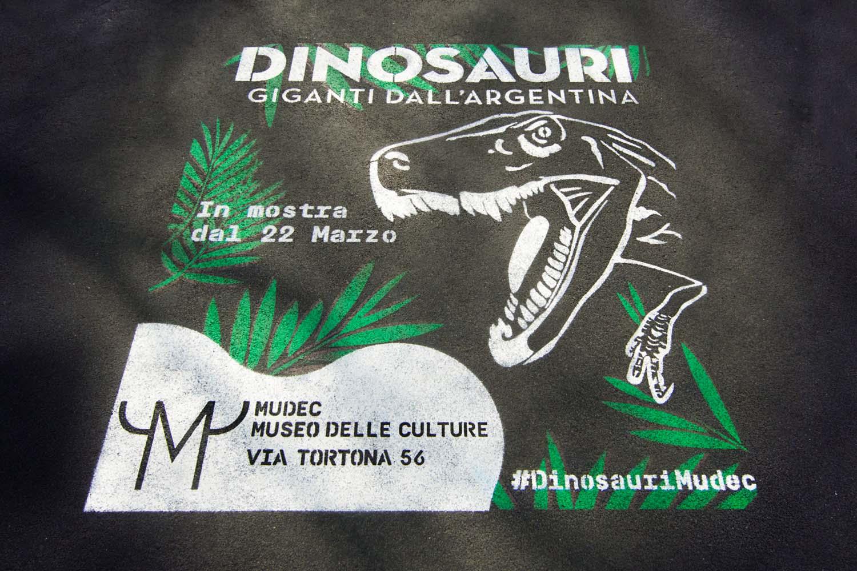 pubblicità outdoor mudec dinosauri