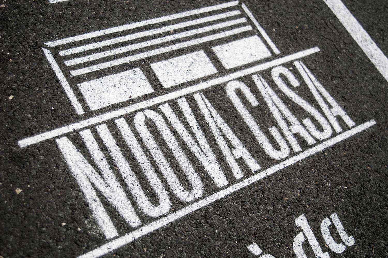 street advertising intesa sanpaolo casa
