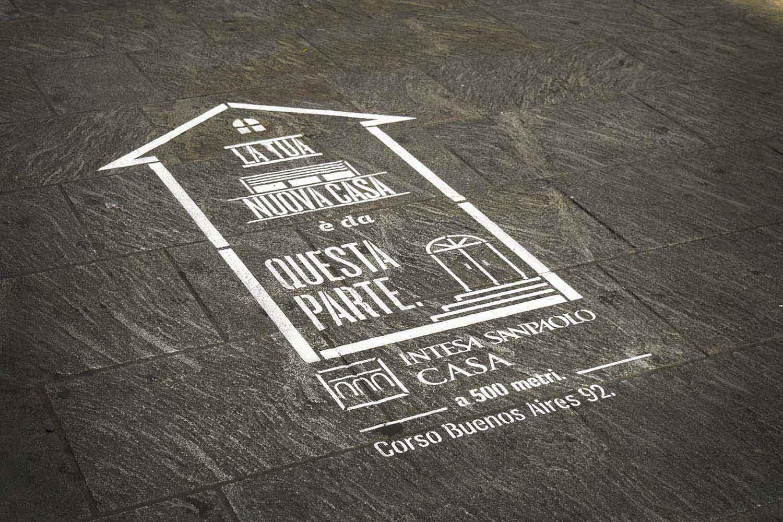 graffiti pubblicitari intesa sanpaolo casa