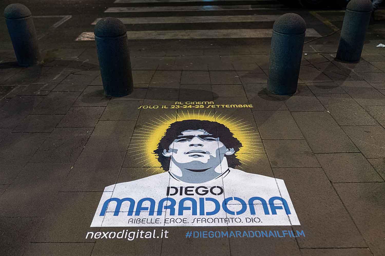 graffiti pubblicitari nexo maradona
