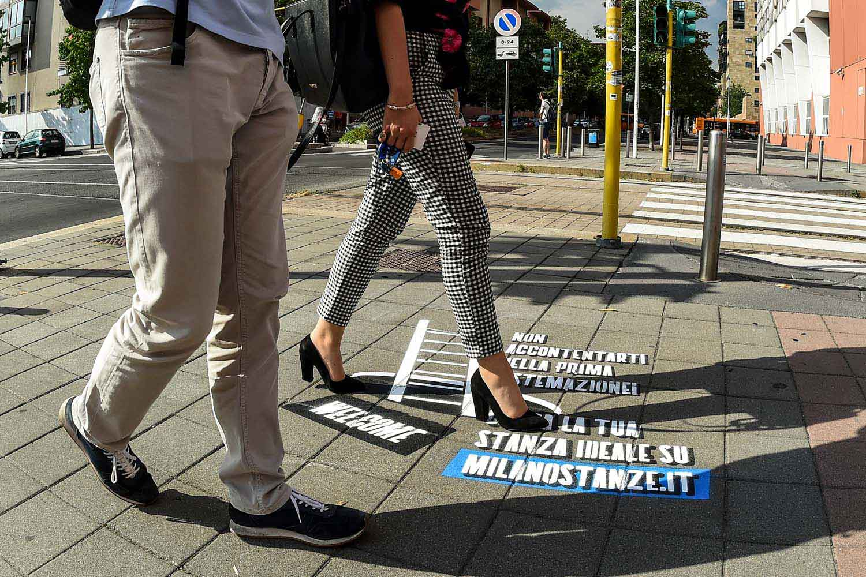 street advertising milanostanze