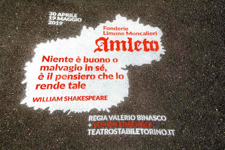 graffiti pubblicità teatro stabile torino
